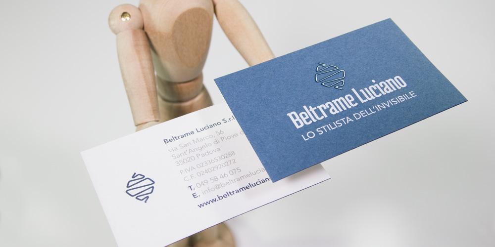 Verniciatura selettiva , stampa serigrafica e carta accoppiata per biglietto da visita